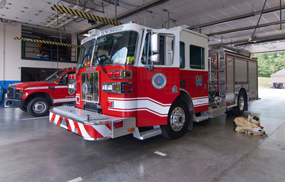 Washington Twp FD E-92 2009 Sutphen 1500-750 former E-91 b
