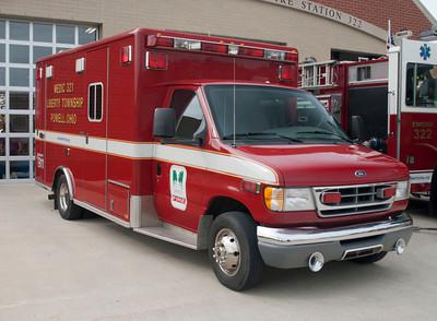 Liberty Twp FD M-321 2001 Horton E-350 Ford aa