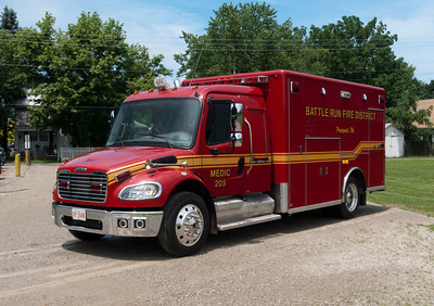 Battle Run Fire District M-205 2004 Horton Freightliner M2-106 a